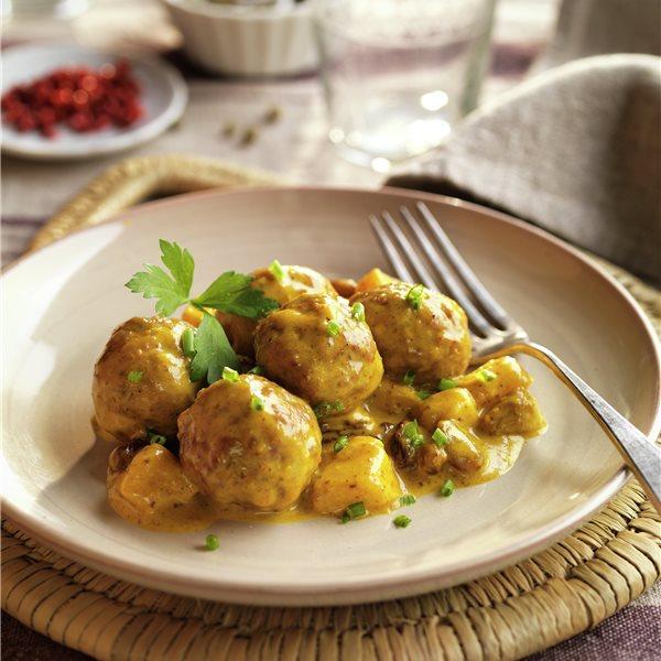 Albóndigas al curry con manzana