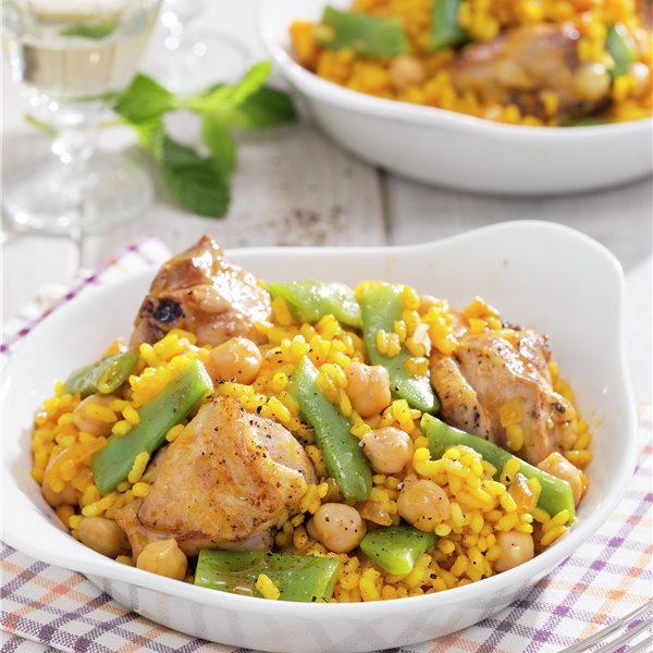 Arroz amarillo con pollo y verdura