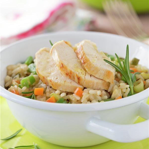 Arroz con verduras y pollo a la plancha