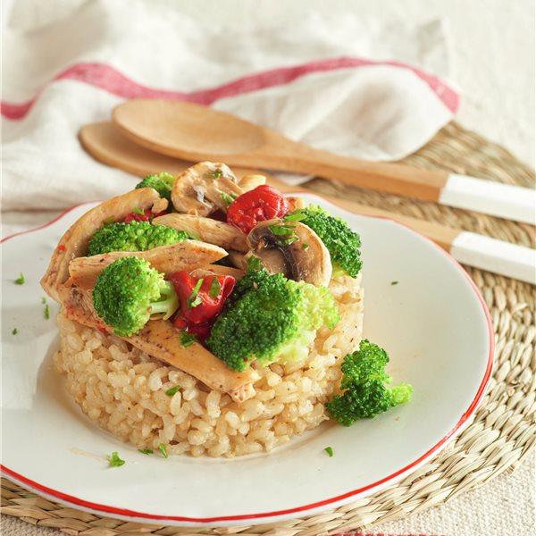 Arroz integral con pollo y verduras