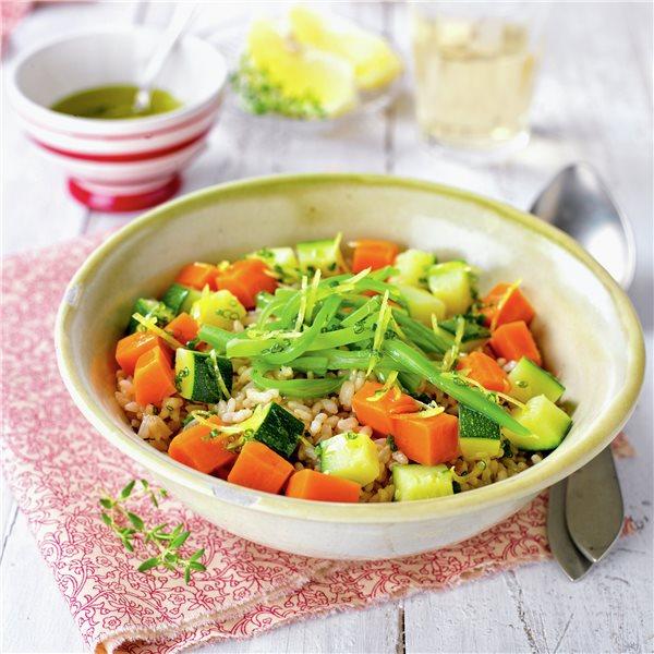 Arroz integral con verduras y aceite al limón
