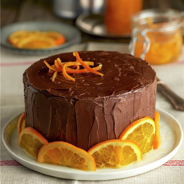 Bizcocho de chocolate negro con naranja confitada