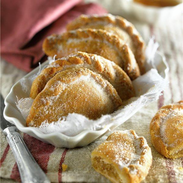 Pastissets de Tortosa rellenos de cabello de ángel