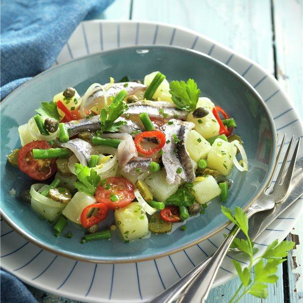Boquerones con ensalada de patata
