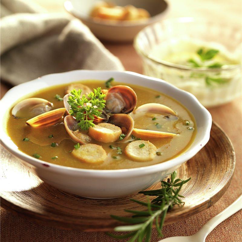 Caldo de verduras con almejas y costrones - Lecturas