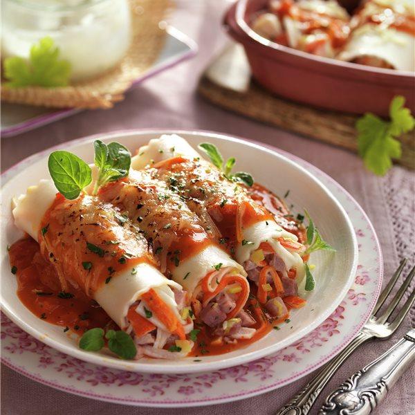 Canelones de jamón y palitos de cangrejo