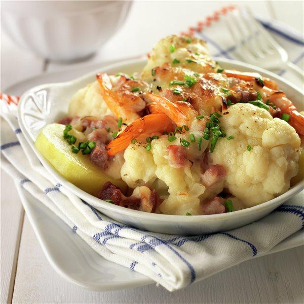 Coliflor con patatas, jamón y gambas