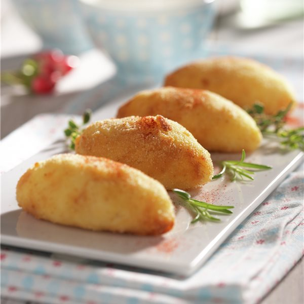 Croquetas de pollo con patata y requesón
