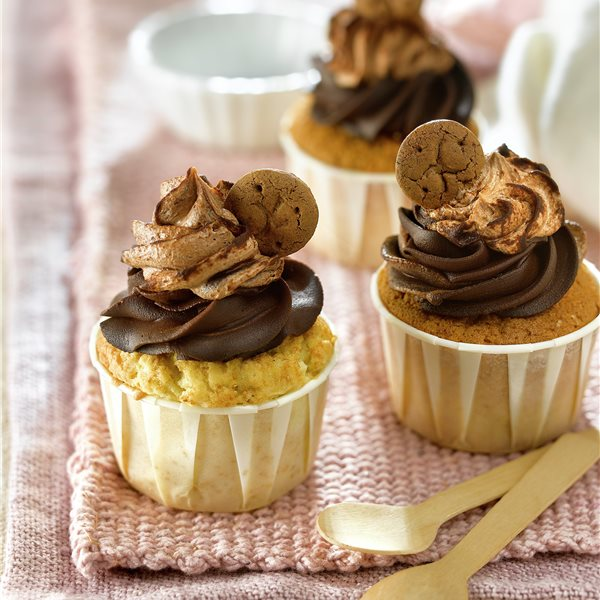 Cupcakes con galletas de chocolate
