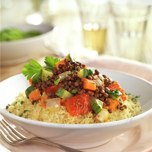 Cuscús de verduras con salteado de lentejas