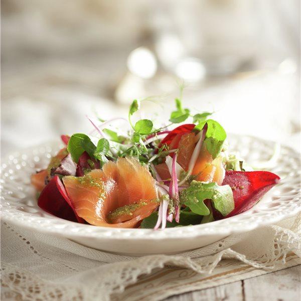 Ensalada con salmón marinado