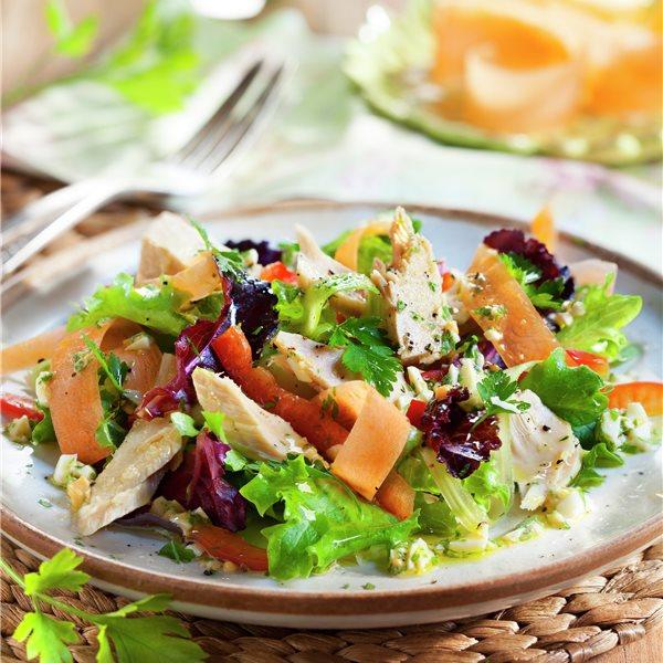 Ensalada de verduras y ventresca de atún