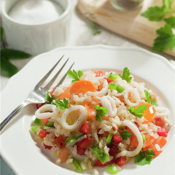 Ensalada de arroz y calamares