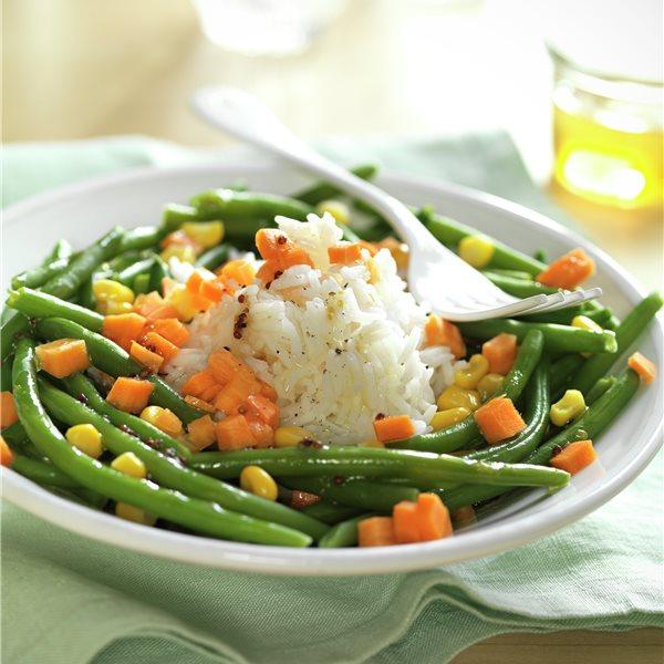 Ensalada de judías verdes con arroz blanco