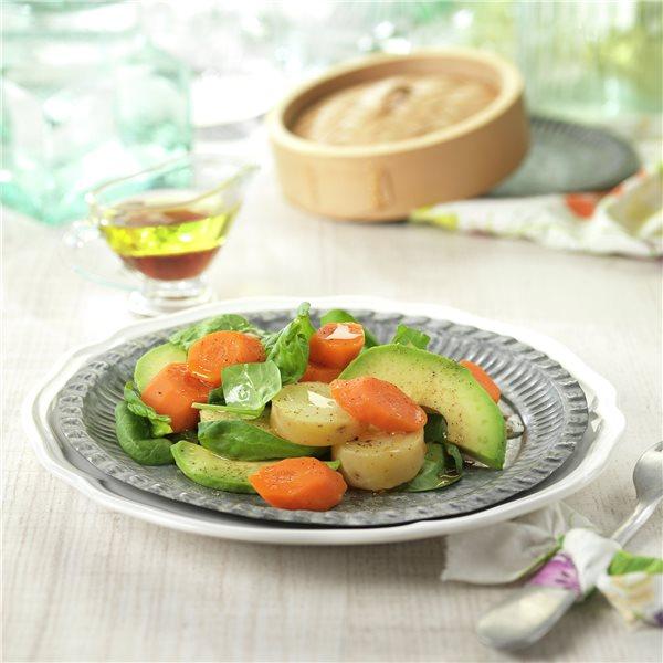 Ensalada de patata, zanahoria y aguacate