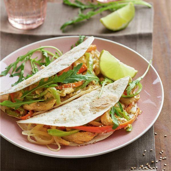 Fajitas integrales de pollo y verduras