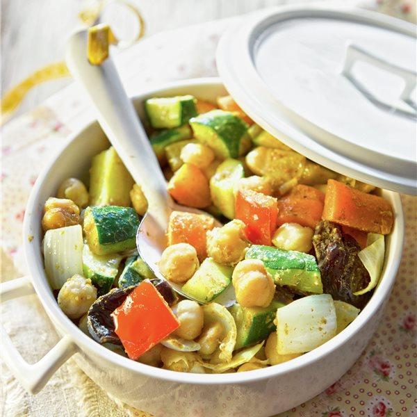 Guiso de garbanzos con verduras al curry