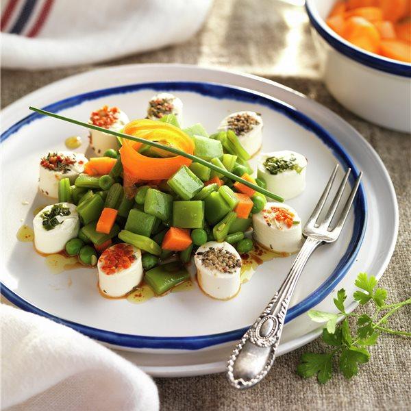 Judías verdes cocidas con queso y zanahoria