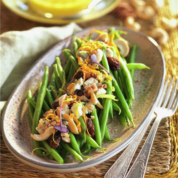 Judías verdes con cítricos y frutos secos