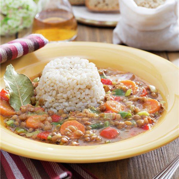 Lentejas con verduras y flanecitos de arroz