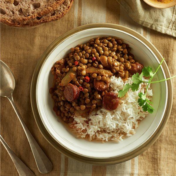 Lentejas guisadas con chorizo y arroz basmati
