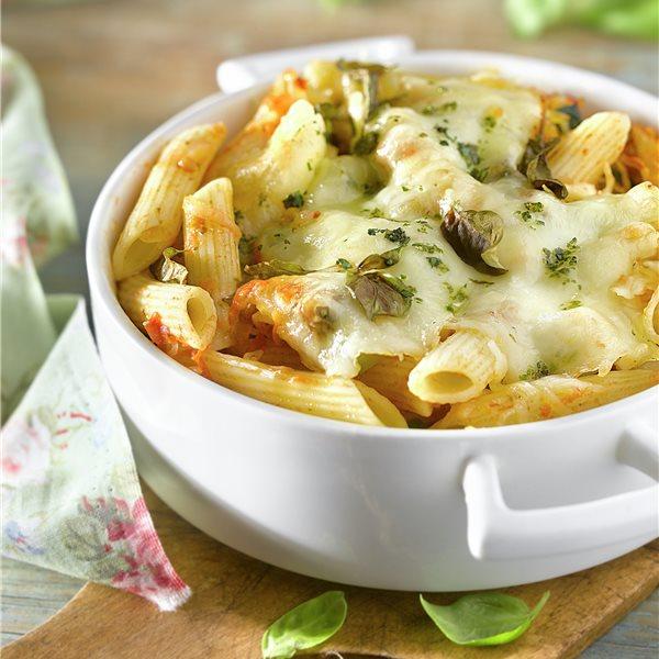 Macarrones con verduras y mozzarella