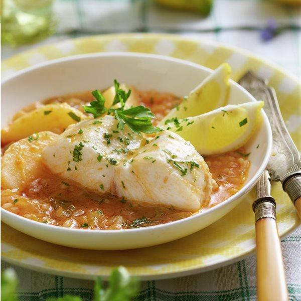 Merluza en salsa con arroz blanco
