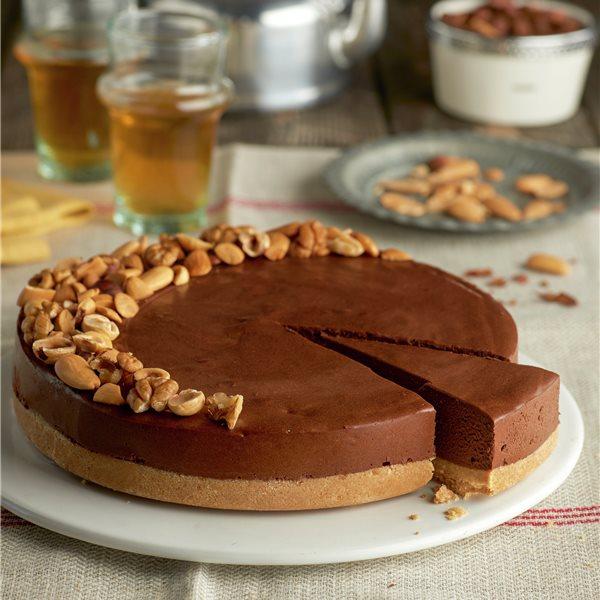 Mousse de chocolate con frutos secos y base de galleta