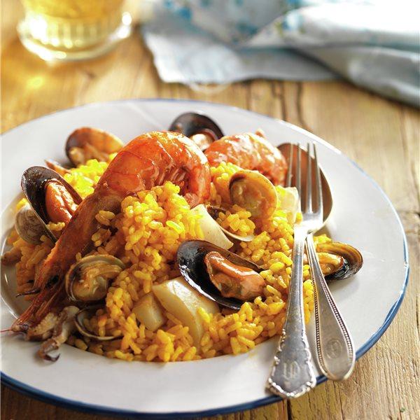 Paella tradicional de marisco