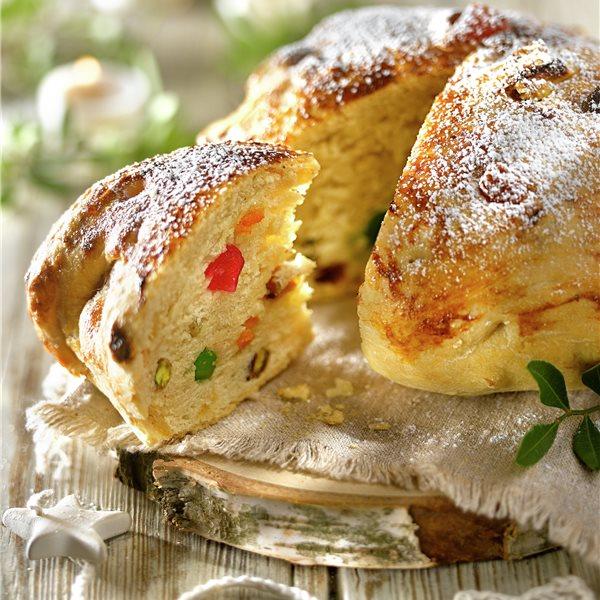 Pan de frutas confitadas