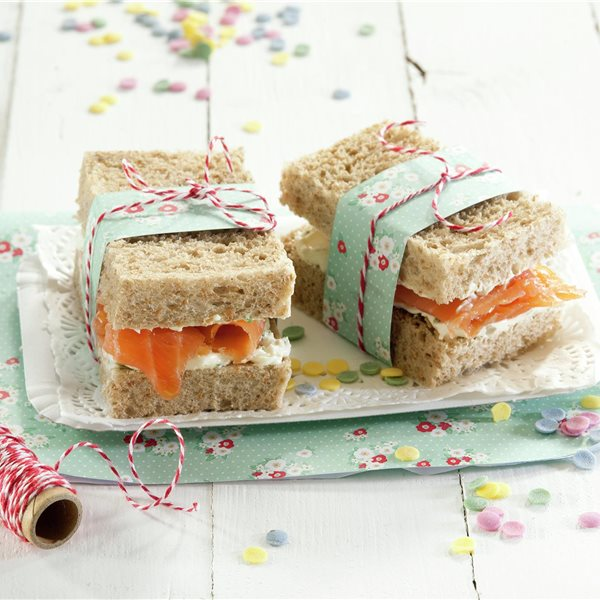 Bocados con crema de queso y salmón