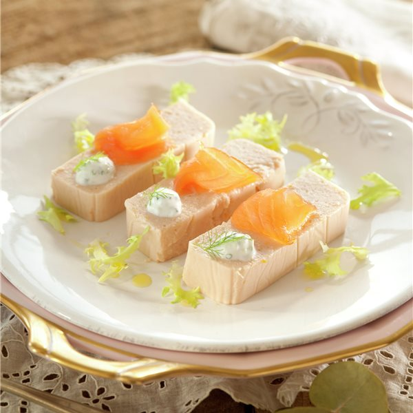 Pastel de salmón con salsa de menta