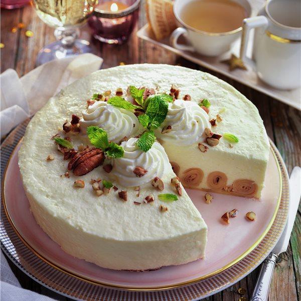 Cheesecake relleno de filloas con mermelada de fresa