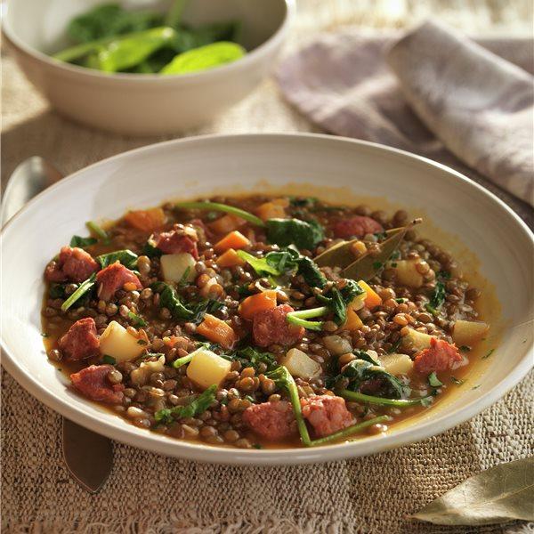 Lentejas estofadas con chorizo y verduras