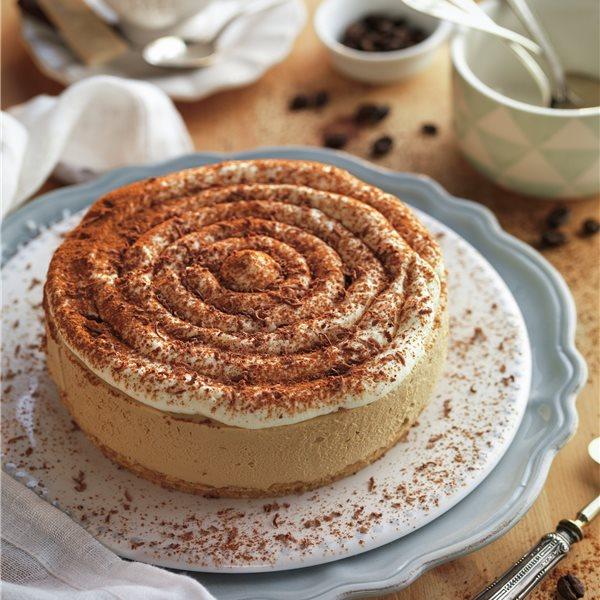 Mousse de café con galleta, nata y canela