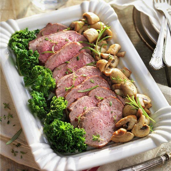 Roastbeef con kale y champiñones