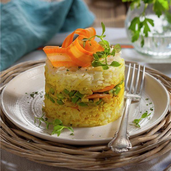 Salteado de arroz al curry con sepia y verduras