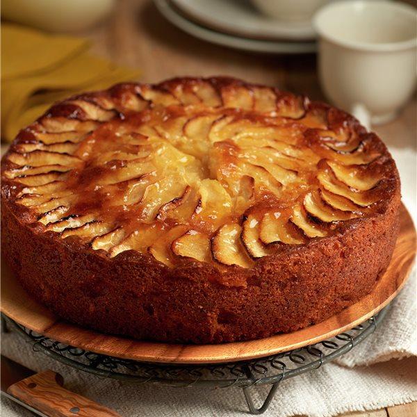 Tarta de manzana con natillas