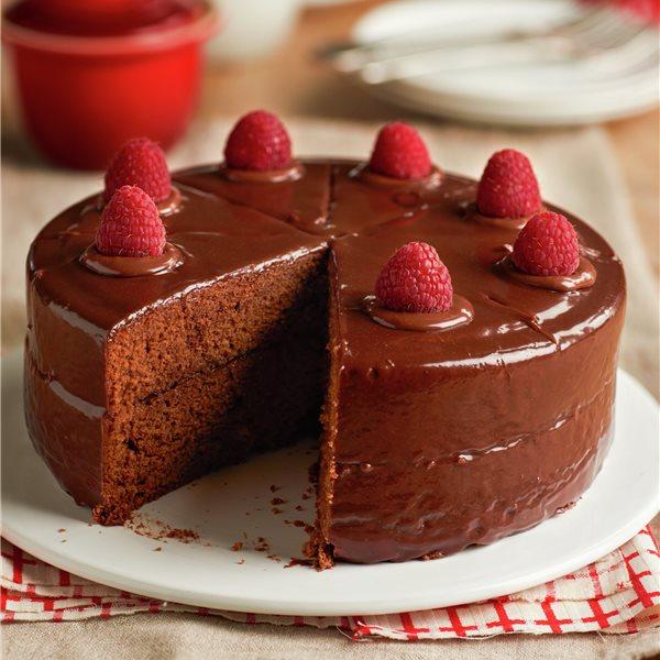 Tarta Sacher: bizcocho con chocolate relleno de confitura