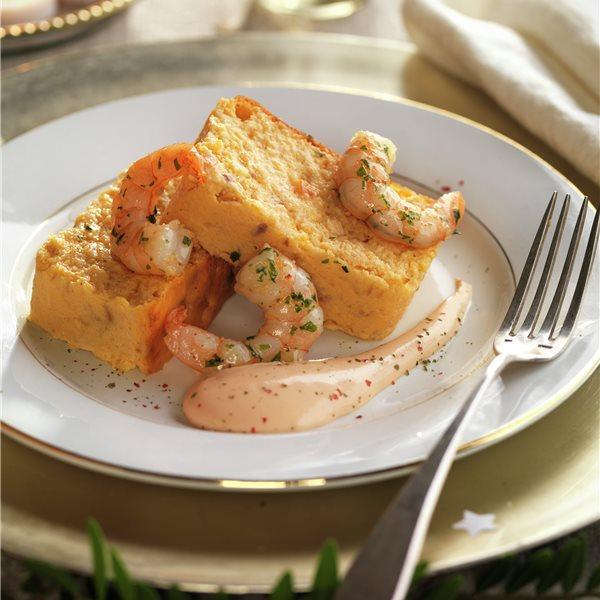 Pastel de merluza y salmón con salsa rosa