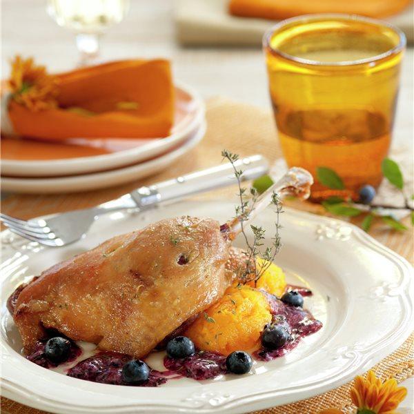 Pato con frutos rojos y calabaza