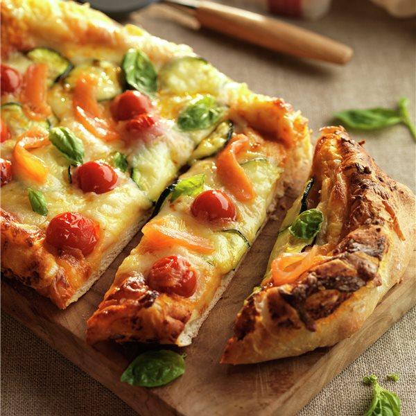 Pizza de salmón y calabacín