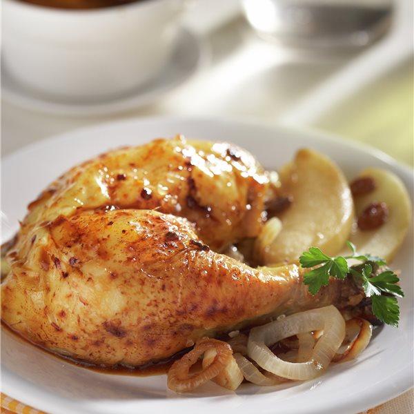 Pollo relleno con manzanas y pasas