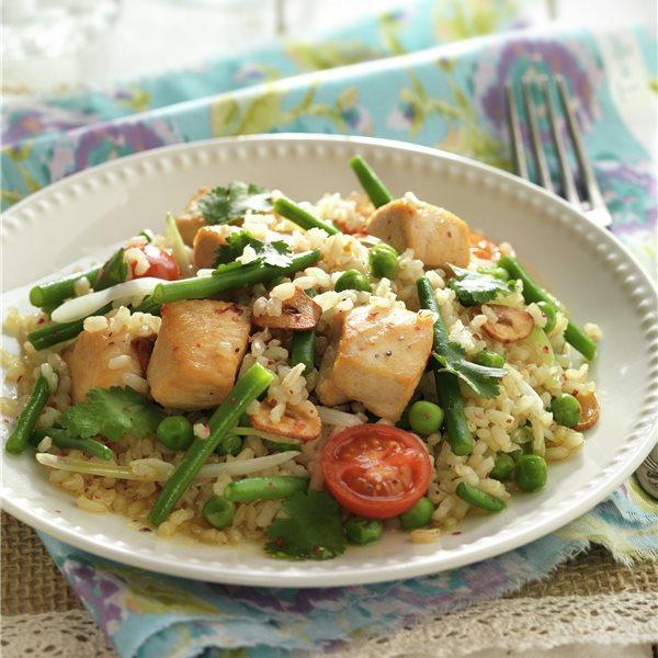 Salteado de arroz integral con pollo