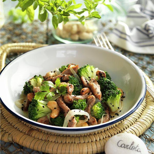Salteado de solomillo y brócoli