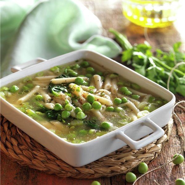 Sopa de pasta y guisantes