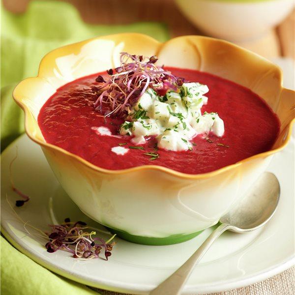 Sopa de remolacha y manzana