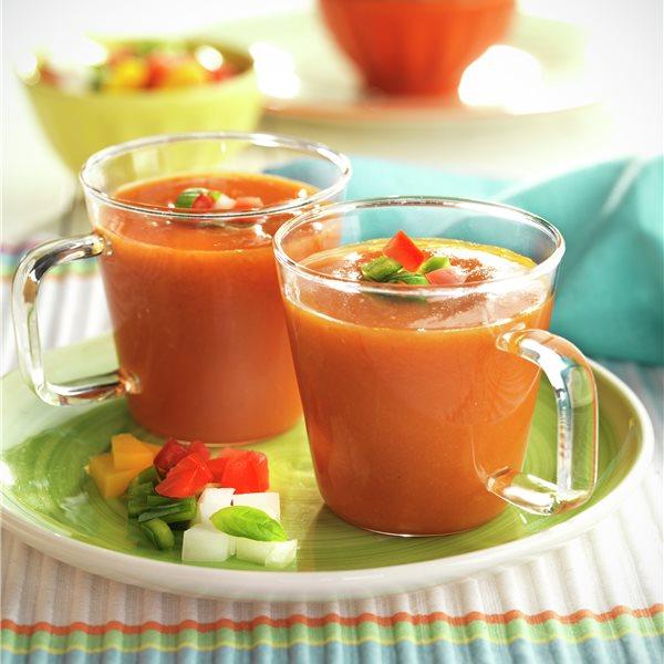 Sopa fría de hortalizas y melocotón