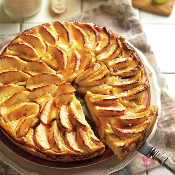 Tarta de manzana rellena