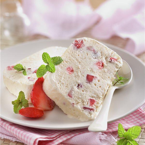 Tarta helada de fresas al oporto